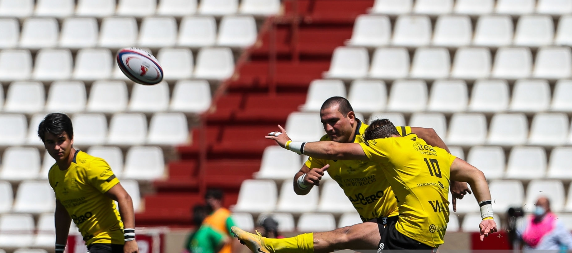 ALBACETE, SPAIN - JUNE 06: Andrew Derrick Grey Norton of Universidad de Burgos in action during the spanish cup, Copa del Rey, final rugby match played between the University of Burgos - Bajo Cero and Lexus Alcobendas Rugby at the Carlos Belmonte stadium on June 6, 2021, in Albacete, Spain. (Photo by Ivan Terron / Europa Press Sports via Getty Images)